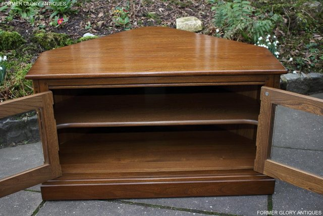 Image 51 of AN ERCOL GOLDEN DAWN CORNER TV CABINET DVD STAND TABLE UNIT