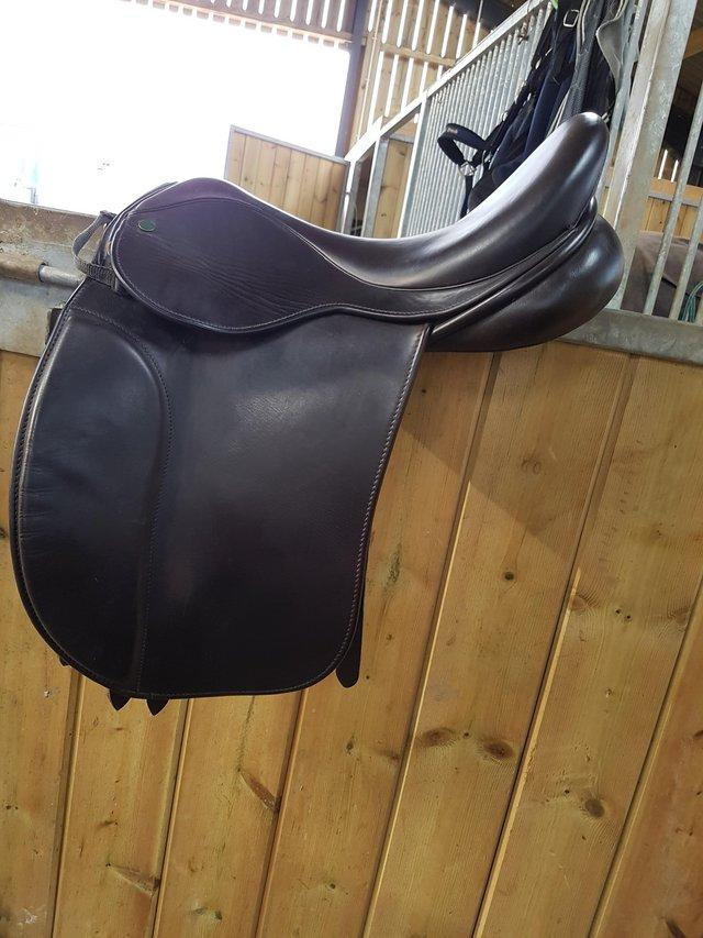 Preview of the first image of 17.5 inch, wide fit, brown leather, Ideal Josephine saddle.