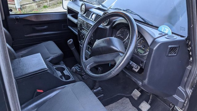 Image 11 of LAND ROVER DEFENDER 90 XS STATION WAGON #131