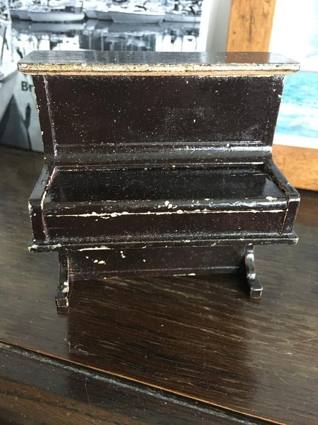 Image 3 of Doll's House Piano