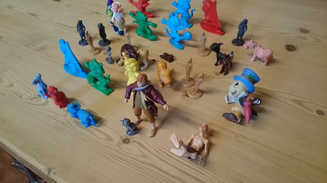 Preview of the first image of Joblot of vintage plastic cereal figures and toys.