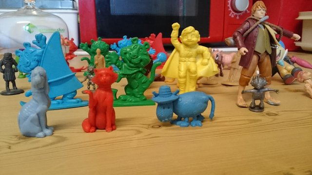 Image 3 of Joblot of vintage plastic cereal figures and toys