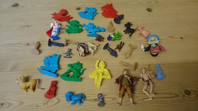 Image 4 of Joblot of vintage plastic cereal figures and toys