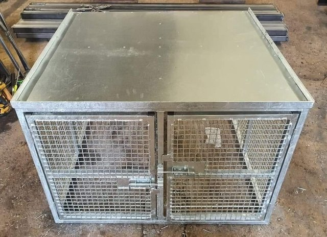 Image 15 of Top quality steel fabricated kennels/catteries/cages/runs
