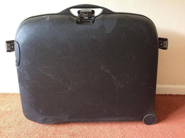Preview of the first image of Samsonite Black Suitcase (large on wheels).