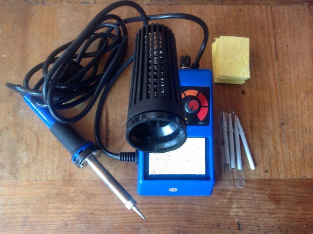 Image 3 of Temperature controlled solder station