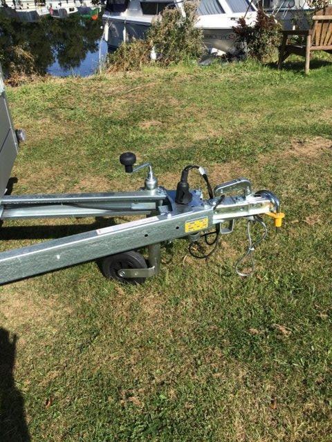Image 12 of Anssems GT 750 211 HTwith 4 x Thule ProRide Cycle Carrier