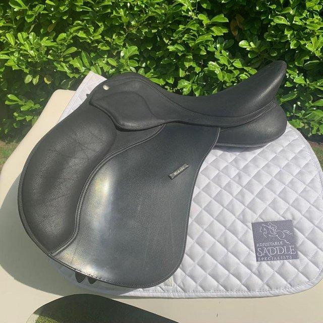 Preview of the first image of Wintec 17 inch pro saddle.