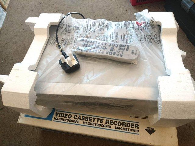 Image 7 of JVC HR-S5975EK S-VHS VCR