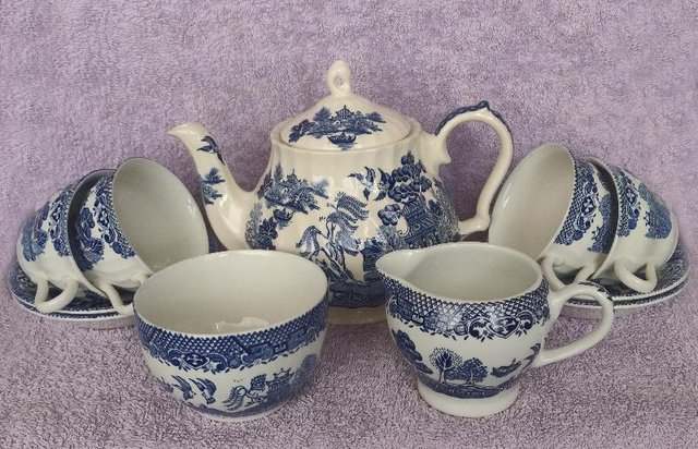 Preview of the first image of Vintage Blue Willow 4 Person Tea set.