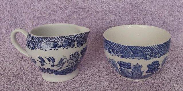 Image 3 of Vintage Blue Willow 4 Person Tea set