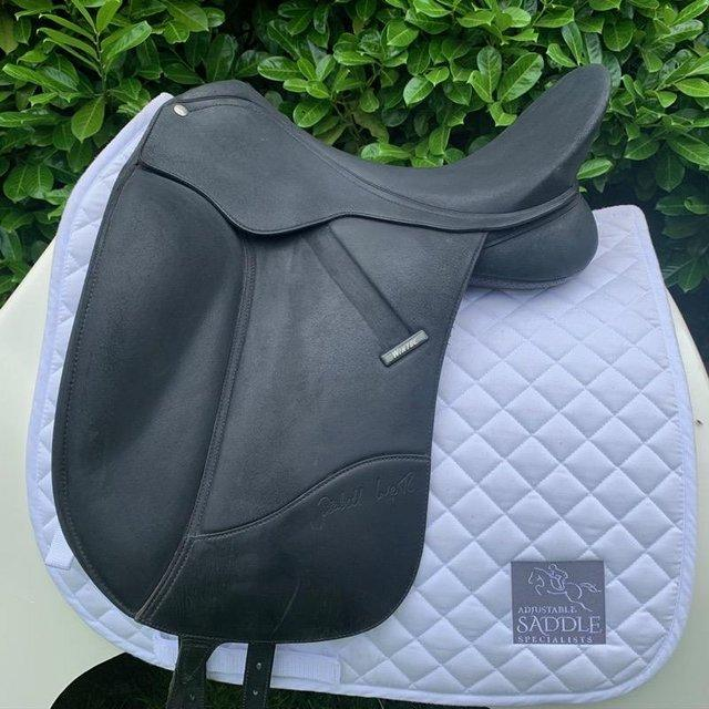 Preview of the first image of Wintec Isabell Werth 17.5 inch dressage saddle.