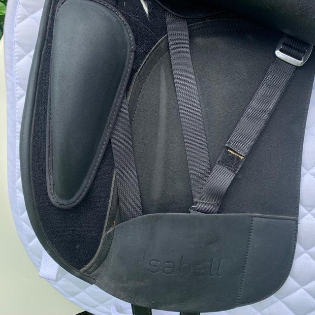 Image 3 of Wintec Isabell Werth 17.5 inch dressage saddle