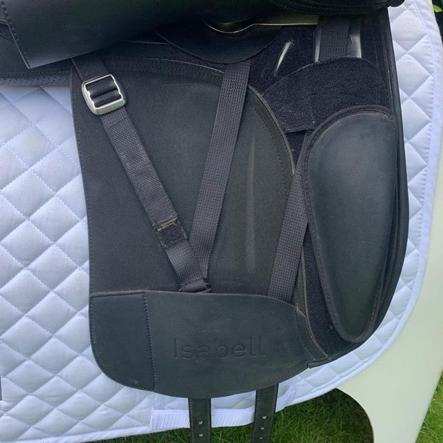 Image 12 of Wintec Isabell Werth 17.5 inch dressage saddle