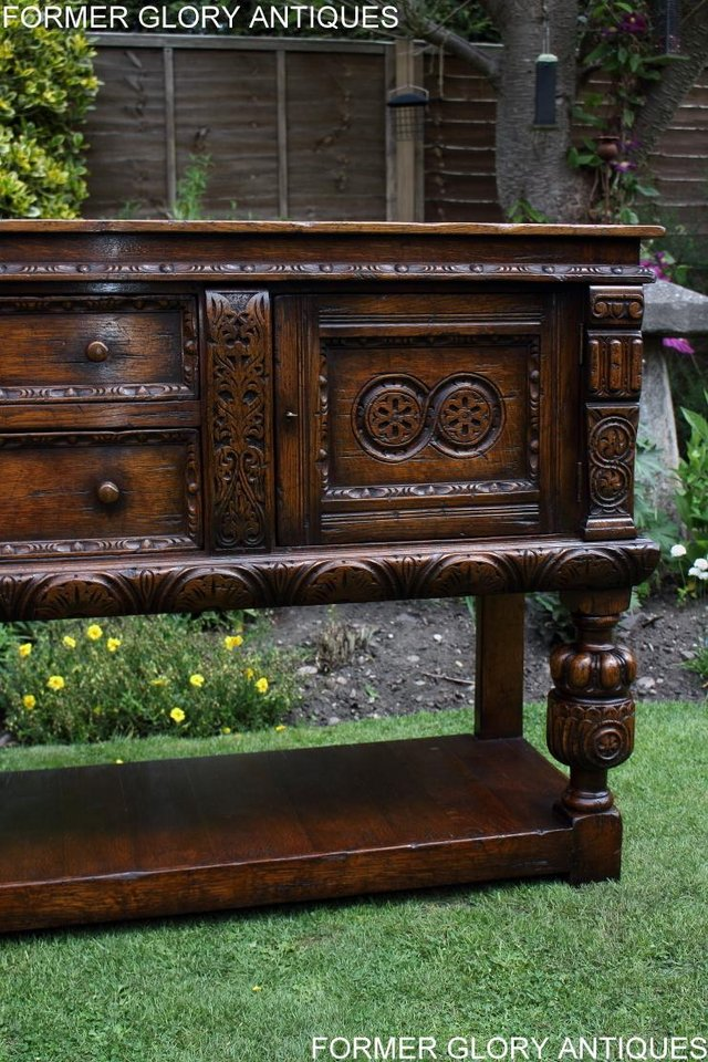 Image 37 of A TITCHMARSH AND GOODWIN CARVED OAK DRESSER BASE SIDEBOARD