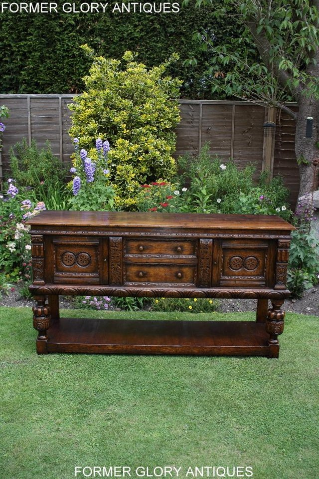 Image 43 of A TITCHMARSH AND GOODWIN CARVED OAK DRESSER BASE SIDEBOARD