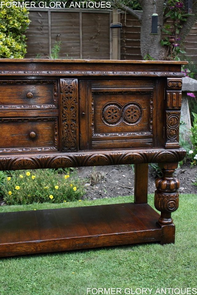 Image 45 of A TITCHMARSH AND GOODWIN CARVED OAK DRESSER BASE SIDEBOARD