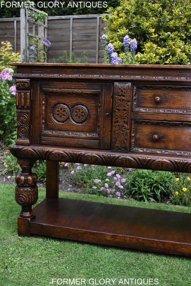 Image 82 of A TITCHMARSH AND GOODWIN CARVED OAK DRESSER BASE SIDEBOARD