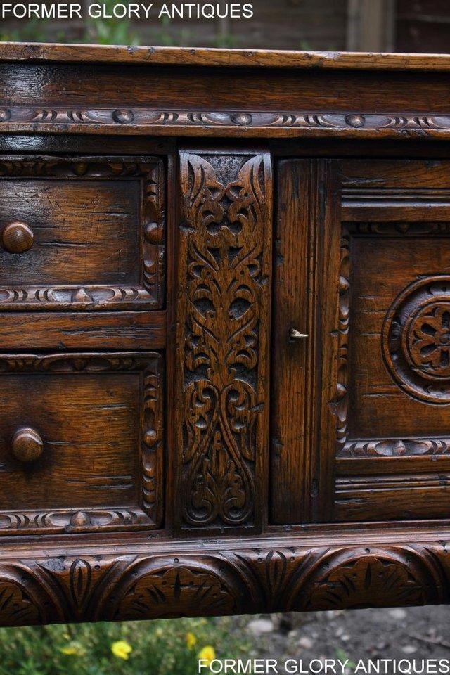 Image 86 of A TITCHMARSH AND GOODWIN CARVED OAK DRESSER BASE SIDEBOARD
