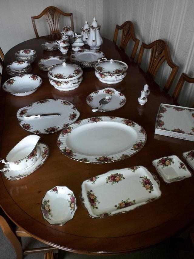 Image 3 of Royal Albert Old Country Roses