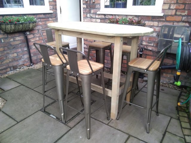 Image 2 of Out door table and chairs