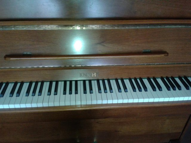 Image 2 of Superb English upright piano .