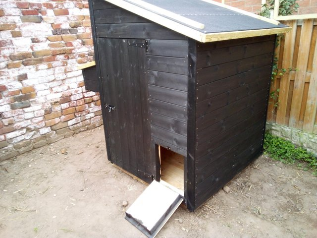 """Image 2 of 4x4x5'6"""" chicken coop"""