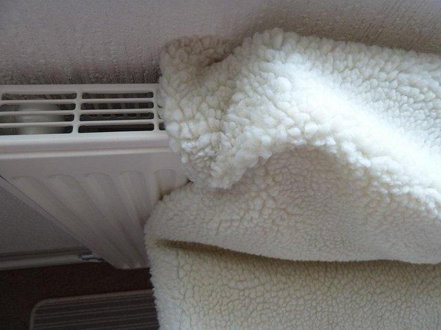 Image 2 of over the radiator fleecey cat bed