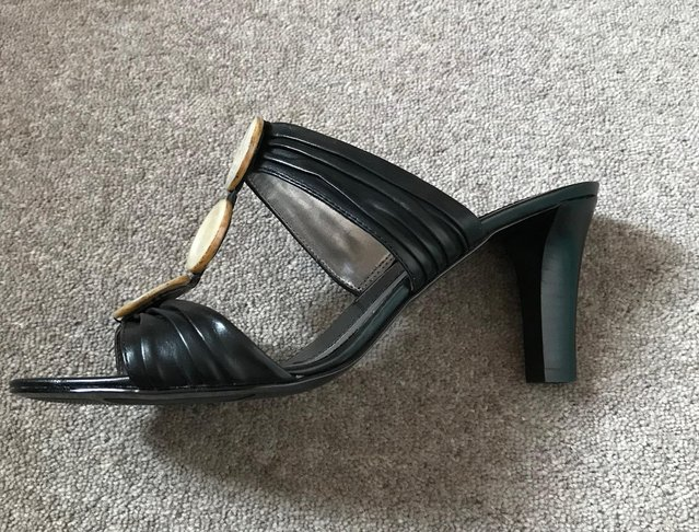 Image 2 of Principles mules size 4