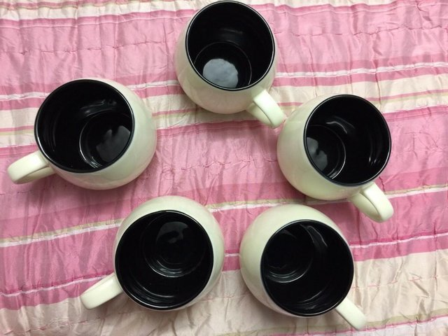 Preview of the first image of 6 x RAYWARE HUG MUGS CUPS CREAM AND BLACK, ROUND BARREL STYL.