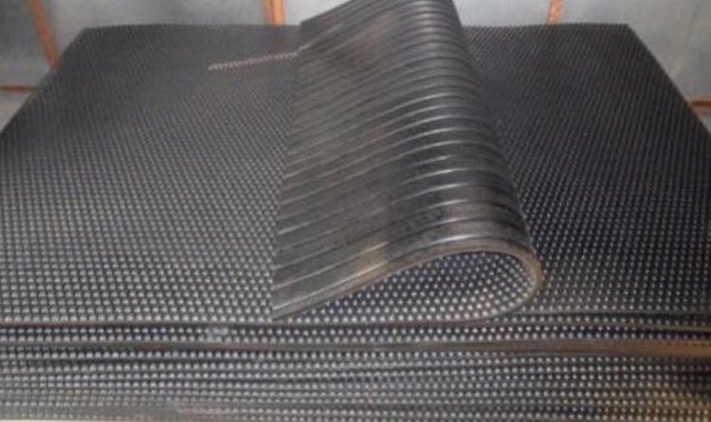 Preview of the first image of New rubber stable mats.