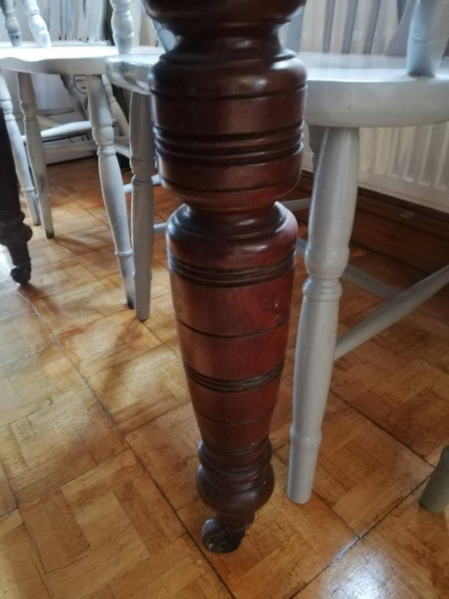 Image 6 of Vintage dining room table 4 Pine Carver Chairs