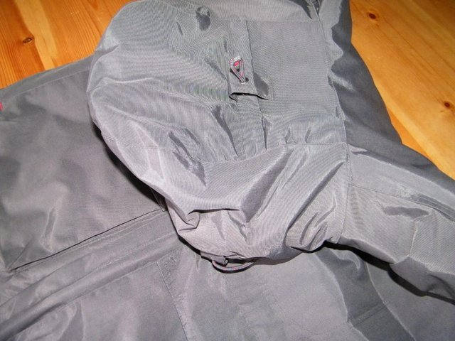 Image 4 of Grey Anorak strong and warm, with little use