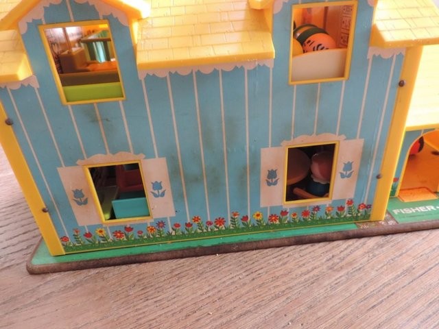 Image 4 of Vintage 1970's Fisher Price House