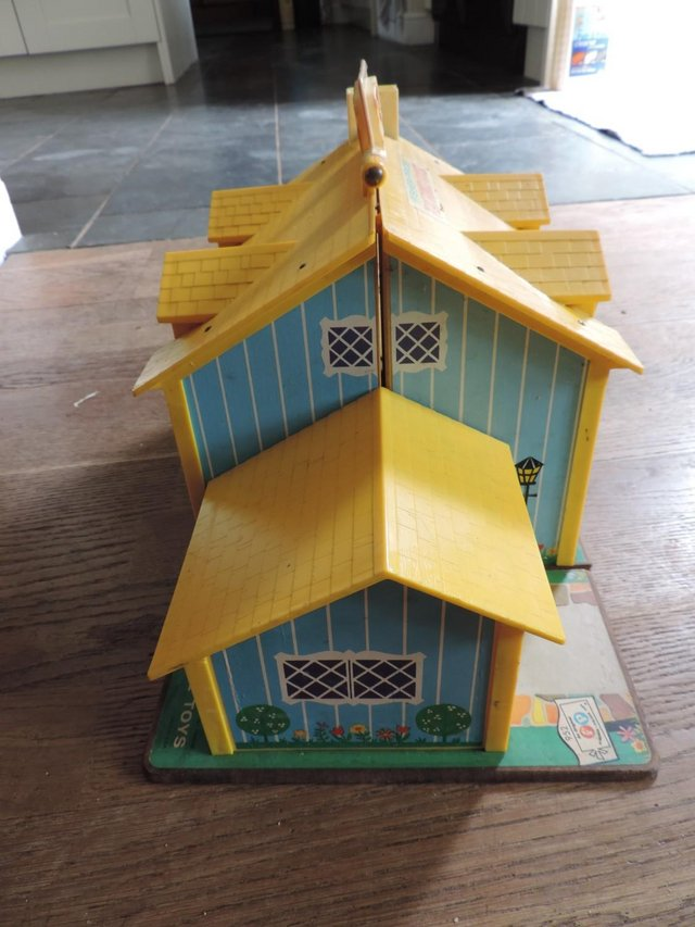 Image 5 of Vintage 1970's Fisher Price House