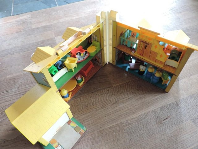 Image 9 of Vintage 1970's Fisher Price House