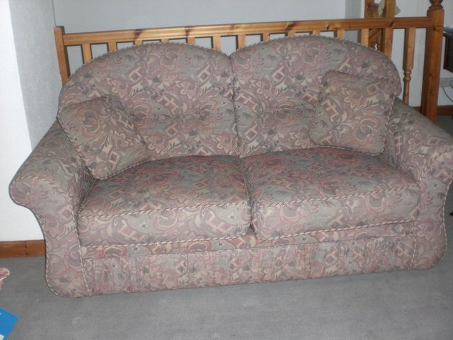 Image 3 of bed settee
