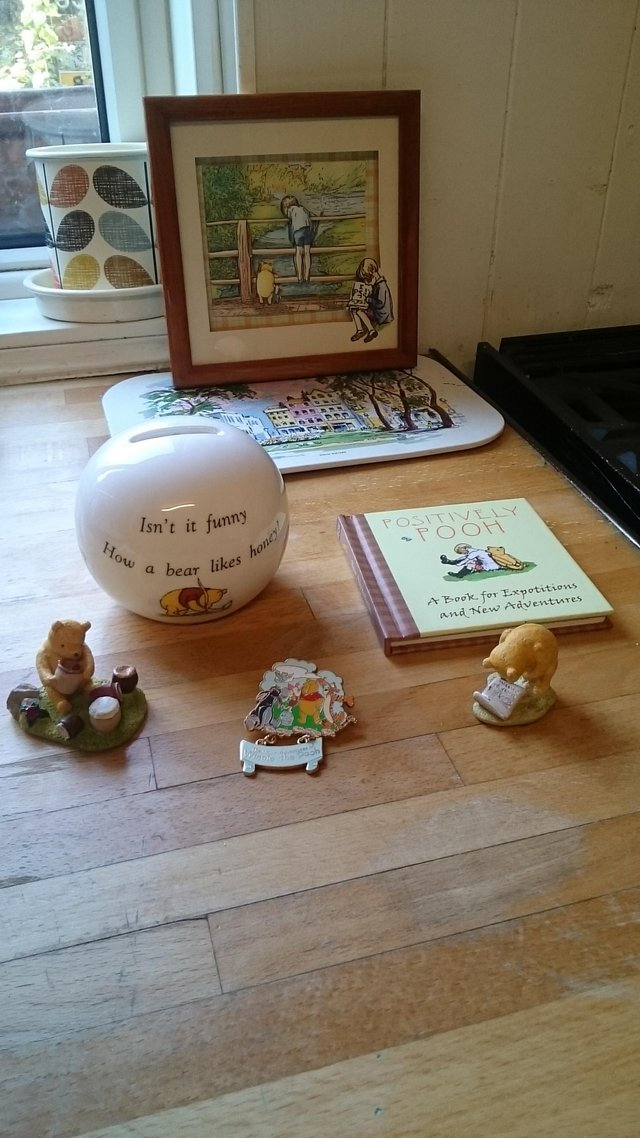 Preview of the first image of Disneys Winnie the pooh collection.