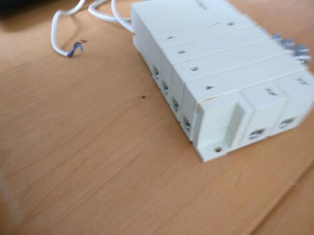 Preview of the first image of TV/Radio Signal Amplifier.