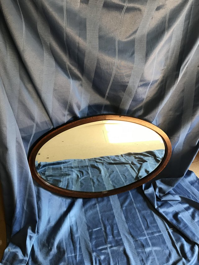 Image 2 of Vintage oval wooden mirror