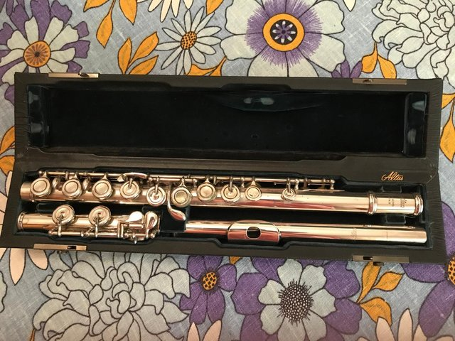 Preview of the first image of ALTUS/AZUMINO A907SECOND HAND,INTERMEDIATE/STEP UP FLUTE !!!.