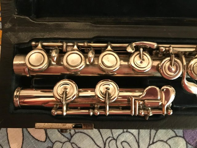 Image 3 of ALTUS/AZUMINO A907SECOND HAND,INTERMEDIATE/STEP UP FLUTE !!!