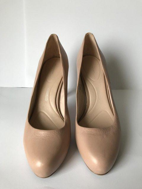 Image 2 of Womens Rockport High Heels Nude Leather size 4.5