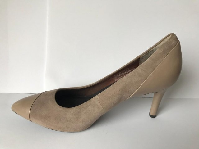 Image 2 of Womens Rockport Taupe Suede & Leather Heel Shoes size 4.5