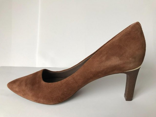 Image 3 of Womens Rockport Brown Suede Pointy Toe Heels size 4.5