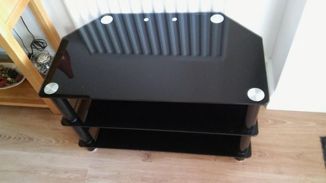 Preview of the first image of CORNER TV STAND.