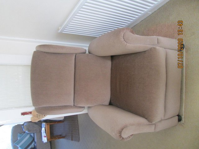 Image 3 of Riser Recliner chair