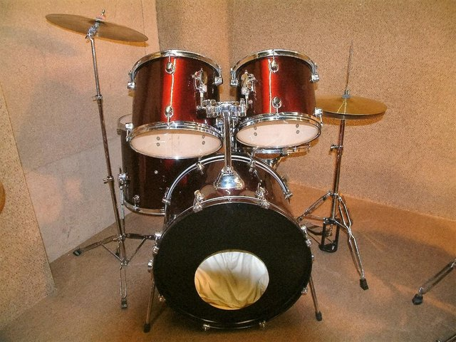 Image 8 of Retired drum teacher has several student drum kits for sale.