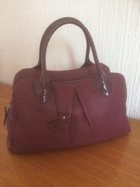 Preview of the first image of RADLEY PURPLE LEATHER MEDIUM HANDBAG / GRAB BAG-BRAND NEW.