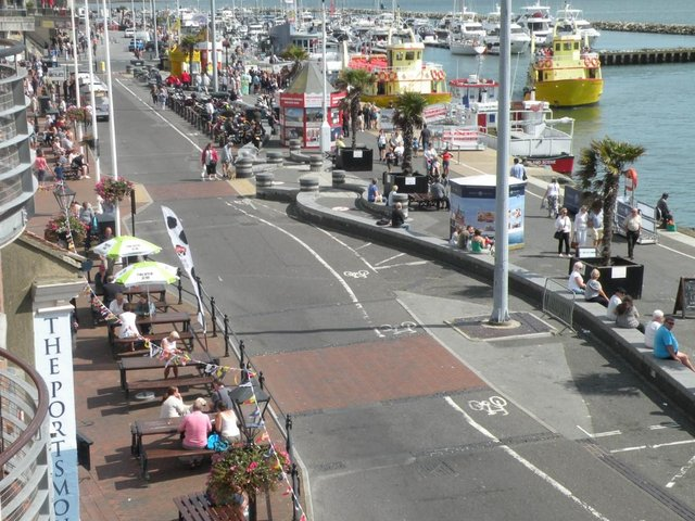 Image 3 of Luxury Holiday Apartment Poole Dorset BH15 1HS